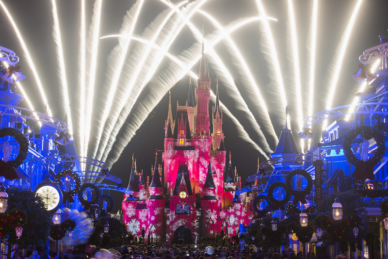 Holiday Wishes - Fogos da Mickey's Very Merry Christmas Party  Foto WDW